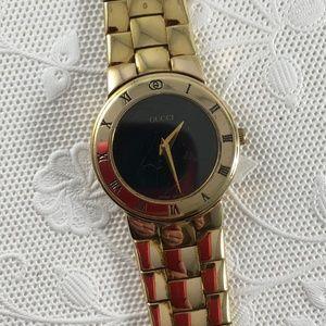 Vintage Gucci Lady Watch Black Dial Gold Bracelet